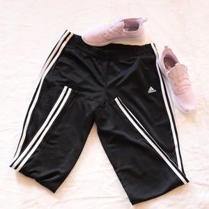 Adidas track pants L  F17